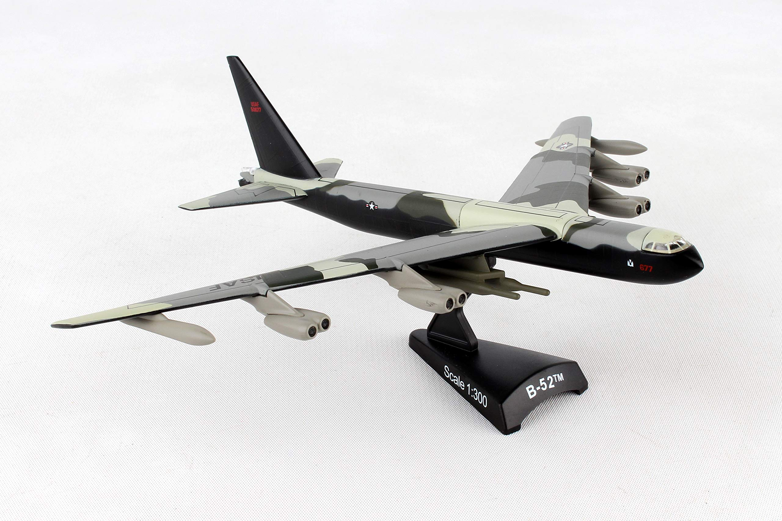 Daron Worldwide Trading B-52 Stratofortress Vehicle (1:300 Scale) by Daron