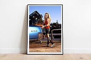 "Carrie Underwood Car Poster Wall Decor Poster Print Canvas Art Wall Art Print Gift Poster Unframed Printing Size - 11""x17"" 18""x24"" 24""x32"" 24""x36"" (L - 24""x32"" (61x81cm))"
