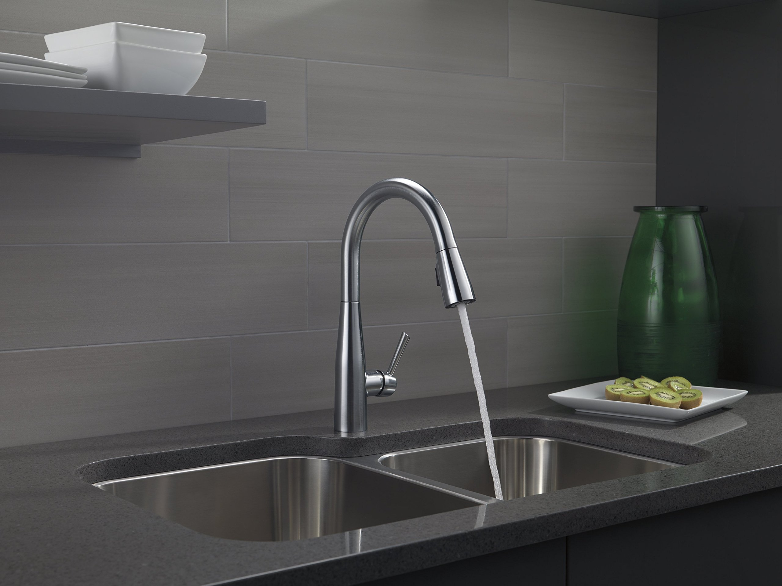 Delta Faucet Essa Single-Handle Kitchen Sink Faucet with Pull Down Sprayer and Magnetic Docking Spray Head, Arctic Stainless 9113-AR-DST by DELTA FAUCET (Image #7)