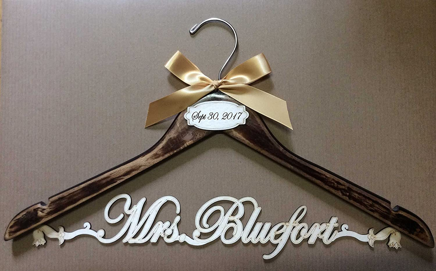 Wedding hanger vintage hanger, bride hanger, Personalized Hanger, Custom hanger, wedding gown hanger, wedding dress hanger