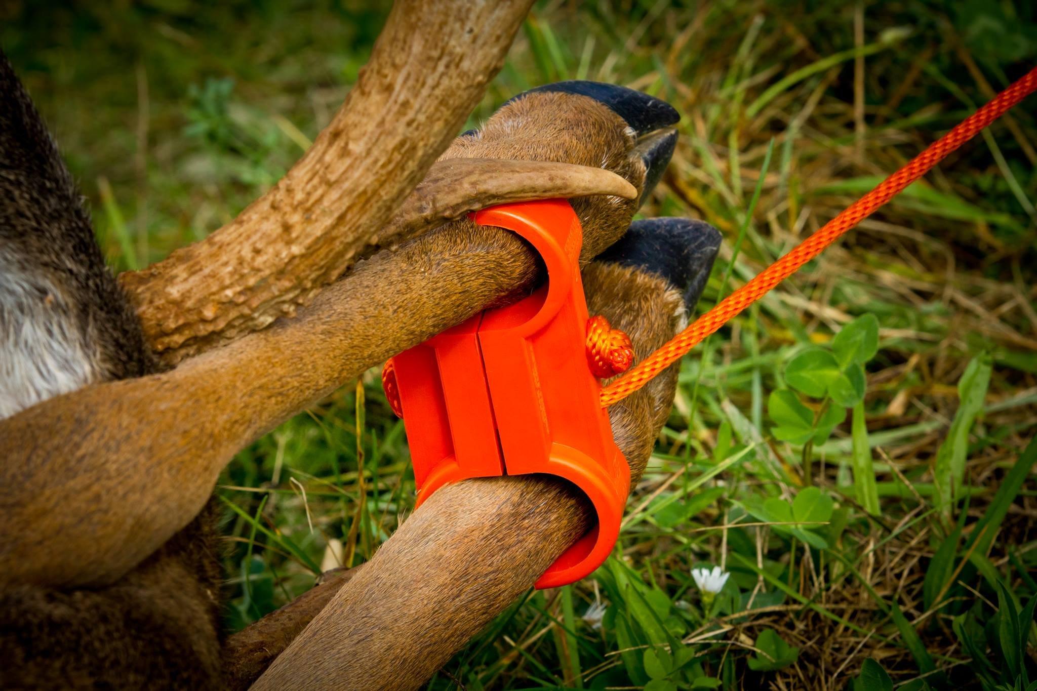 Leg Cuff Deer Drag, Turkey Tote, Coyote Drag 3-1 Hunting tool