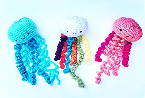Cuddly Amigurumi Toys: 15 New Crochet Projects by Lilleliis: Lille ... | 337x500