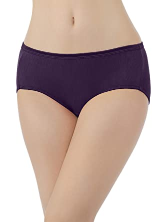84cb3eb70476 Vanity Fair Women's Illumination Hipster Panty 18107 at Amazon Women's  Clothing store: