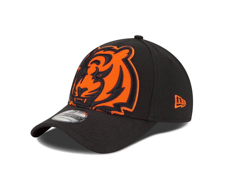 0c8be466d89 Amazon.com   NFL Cincinnati Bengals Magnifier Classic 39Thirty Stretch Fit  Cap