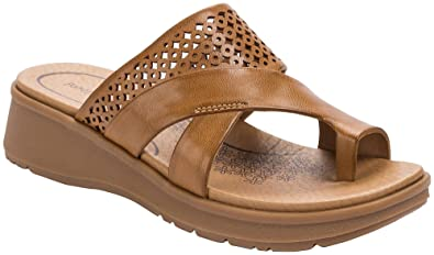 9c2e99ad5a9 BareTraps Womens Riya Sandals 10 Auburn red