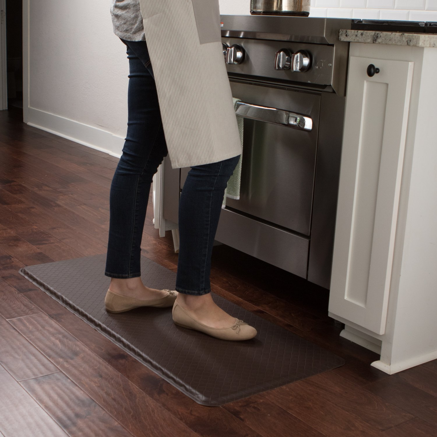 "GelPro Classic Anti-Fatigue Kitchen Comfort Chef Floor Mat, 20x48"", Linen Granite Gray Stain Resistant Surface with 1/2"" Gel Core for Health and Wellness by GelPro (Image #8)"