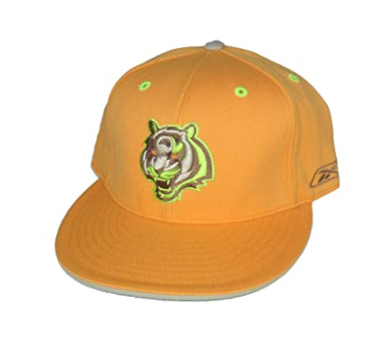 f3a9b6e16eac1f Image Unavailable. Image not available for. Color: Cincinnati Bengals  Fitted Size 7 3/4 Hat Cap - Orange w/ ...