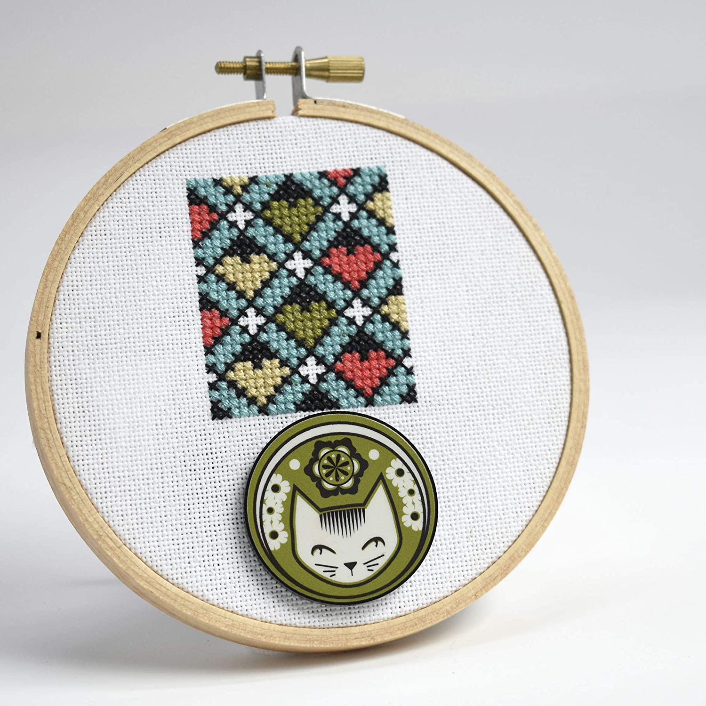 Needle minder cross stitch Pattern Helper 2 in 1 Cross stitch Dog Embroidery Chart Keeper Embroidery Pattern Marker Holder Cross Stitch Pug