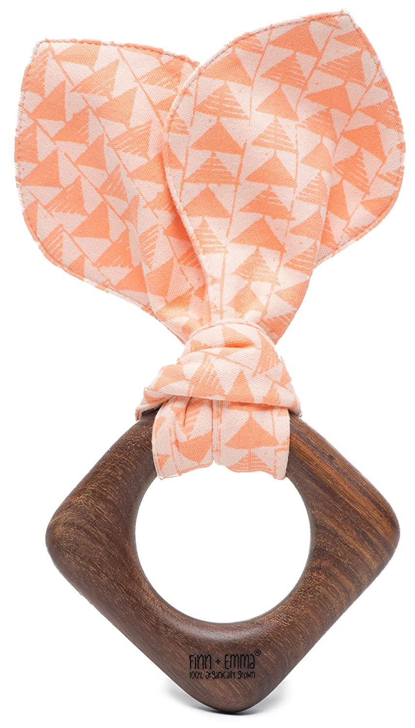 Finn + Emma天然木製と有機コットンTeething Ring for Baby Boy or Girl One Size G03-0922A  Triangle Print B01CPX6EAE