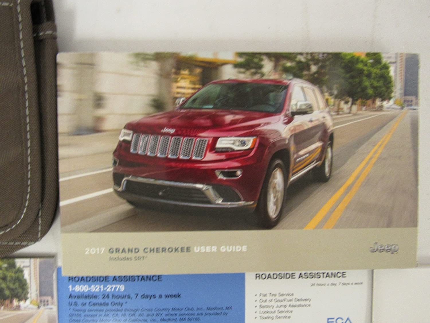 Amazon.com: 2017 Jeep Grand Cherokee Owners Manual Guide Book: Everything  Else