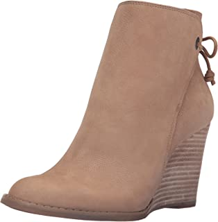 dc59f1f9333 Lucky Brand Women s Yamina Ankle Bootie