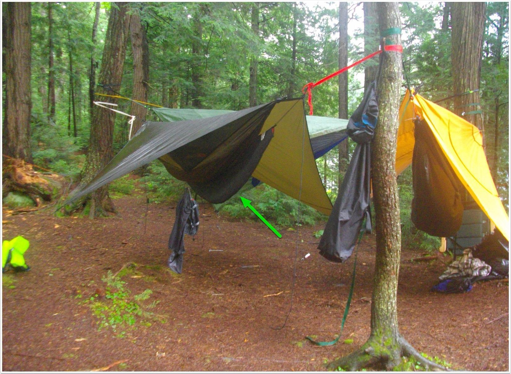 This is a great value-priced under quilt for hammock camping from summer to early fall conditions