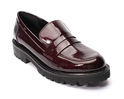 92057449e5e Jane and the Shoe Women s Lottie Burgundy Lug Sole Loafer 6