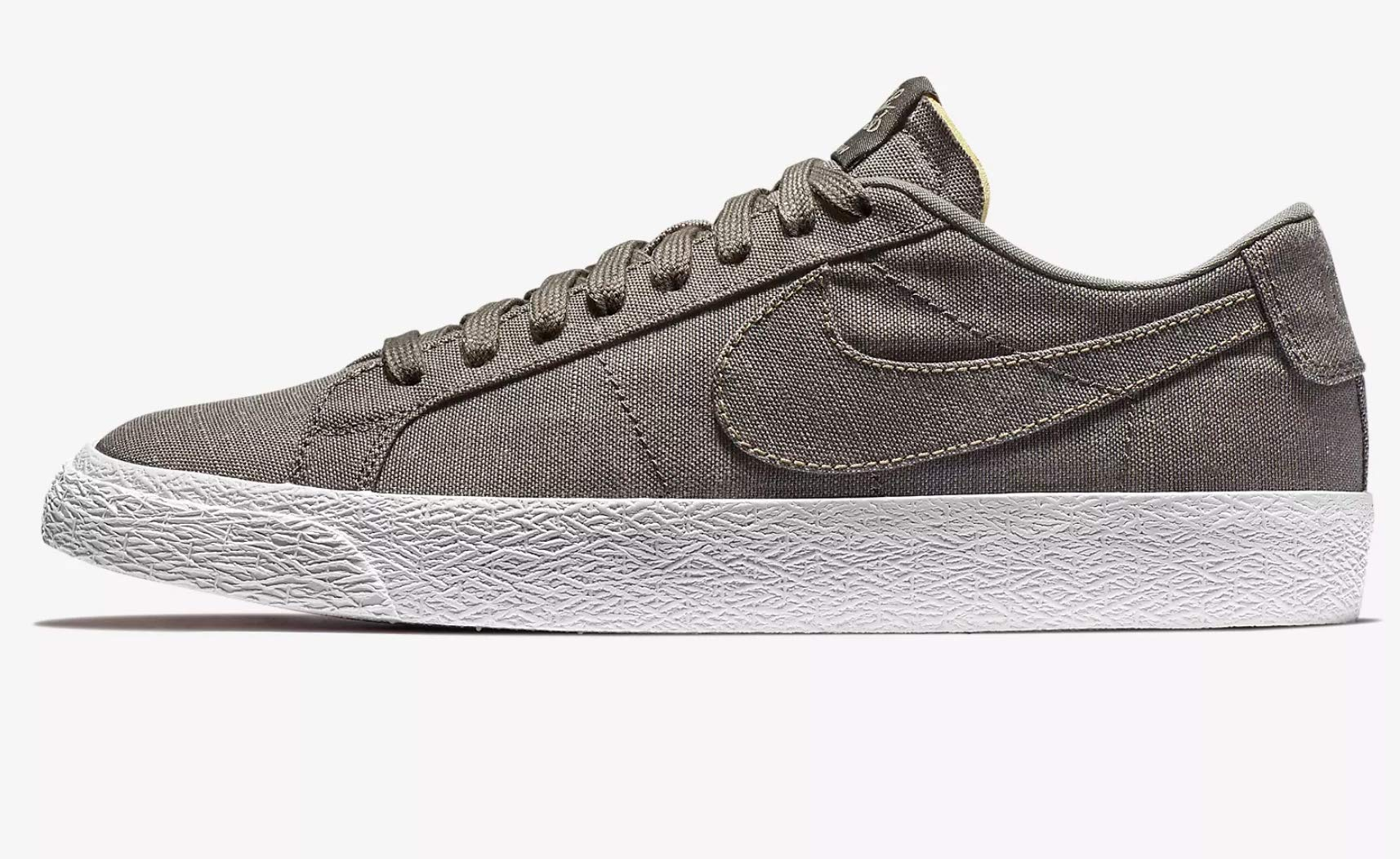 a09396f18ee27 Galleon - NIKE Sb Zoom Blazer Low CNVS Decon Mens Ah3370-200 Size 5