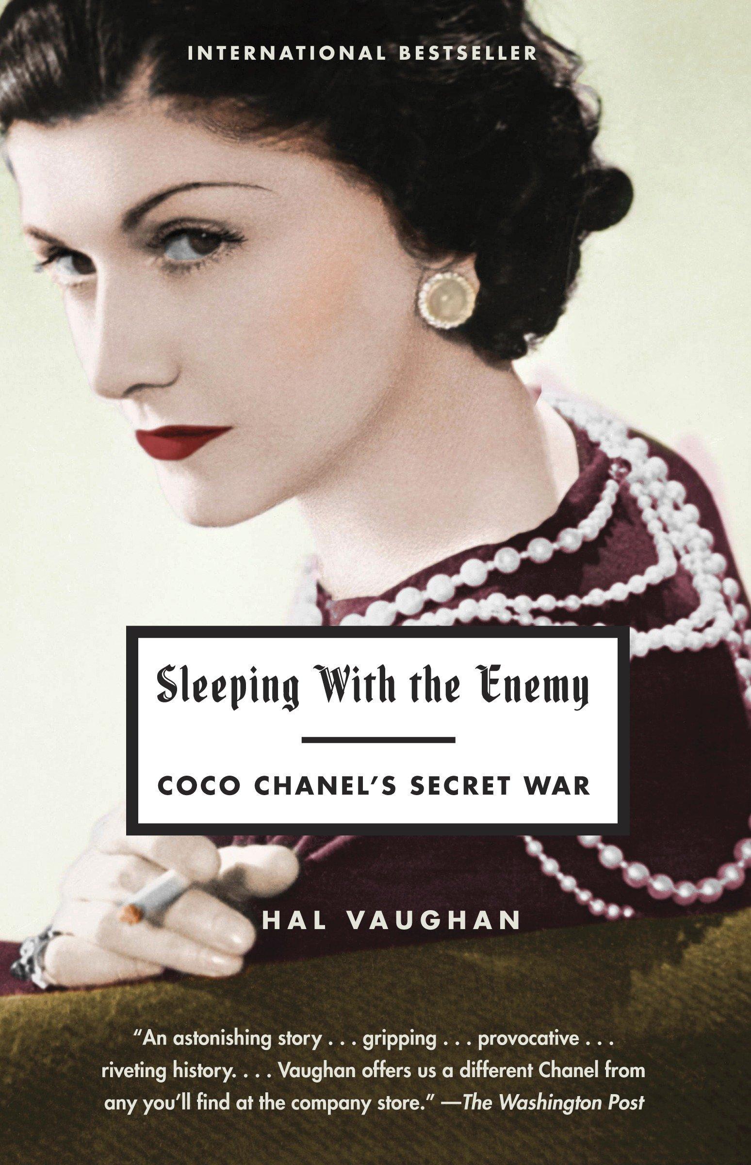 bf1f93ee18c Sleeping with the Enemy  Coco Chanel s Secret War  Amazon.co.uk  Hal ...