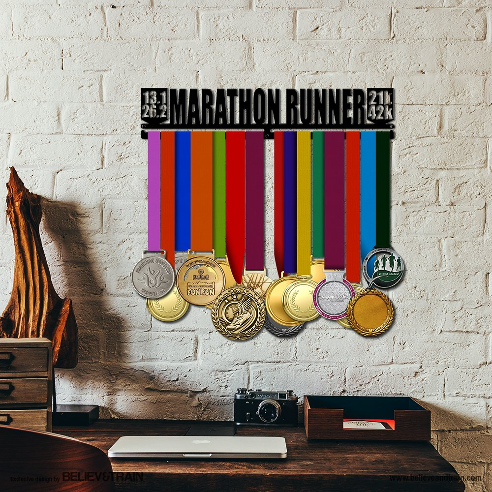 Running Medal Hanger Alveni Believe/&Train Marathon Runner