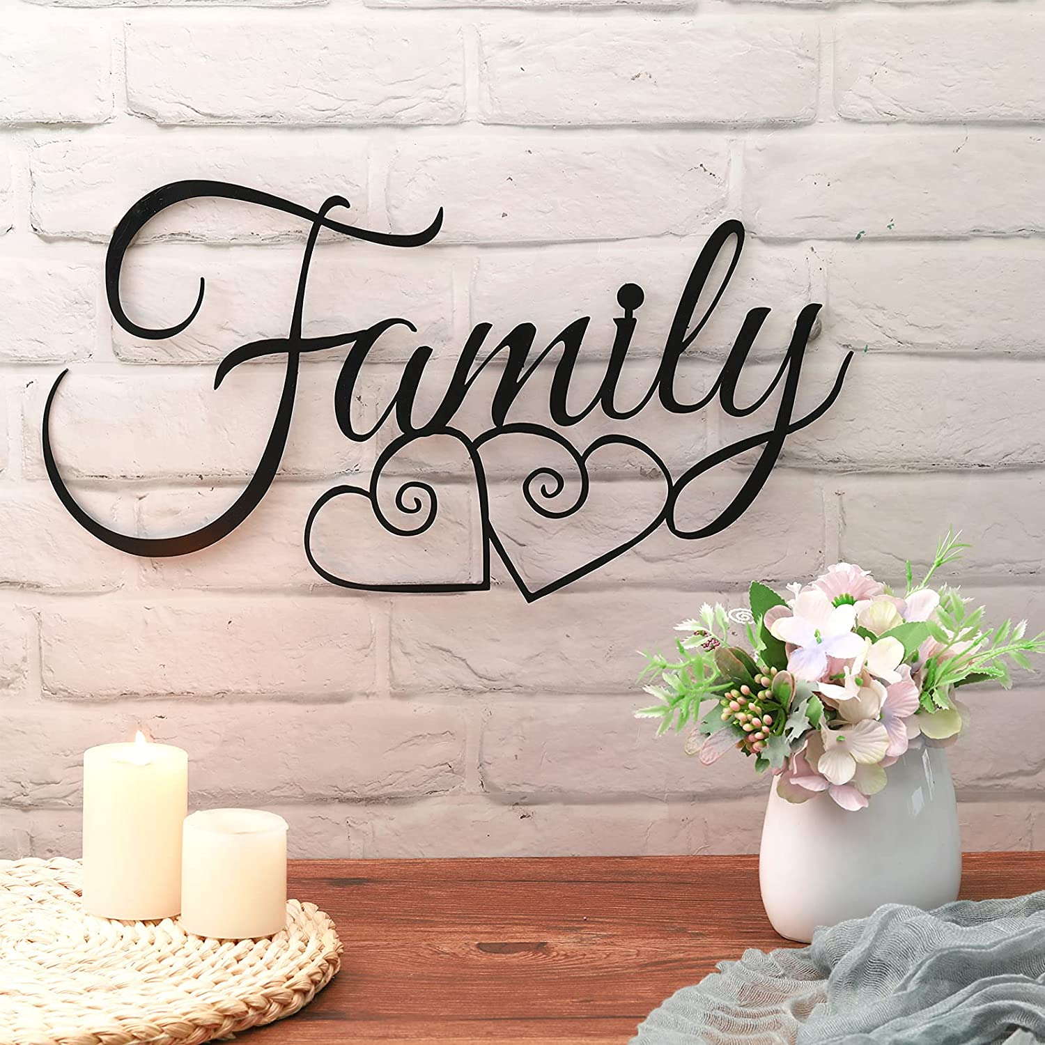 Family Metal Wall Sign Metal Family Wall Decor Sign Black Metal Family Word Wall Art Metal Family Wall Hanging Decoration for Home Dining Room Kitchen Door Decorations Wall Decor