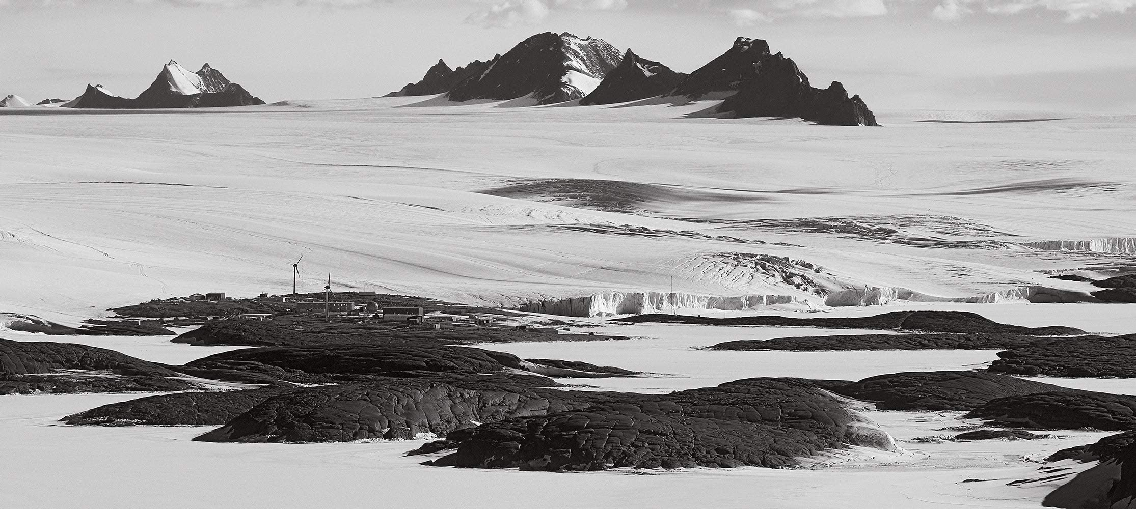 Southern Light: Images from Antarctica by Brand: Abbeville Press