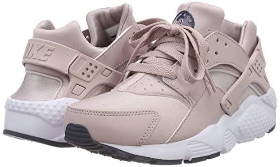 Amazon.com | Nike Huarache Run Big Kids Shoes Particle Rose 654280-603 (4 M US) | Running