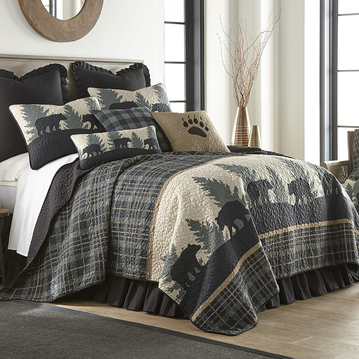 Donna Sharp Twin Bedding Set - 2 Piece - Bear Walk Plaid Lodge Quilt Set with Twin Quilt and One Standard Pillow Sham - Machine Washable