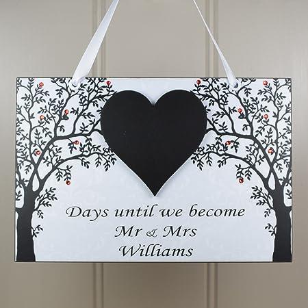 Pizarra personalizada «Mr y Mrs» en forma de corazón, hecha a mano con madera y con cuenta atrás para la boda; placa para el hogar, regalo de compromiso; 641: Amazon.es: Hogar