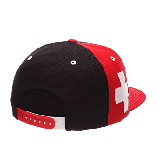 Amazon.com   Zephyr Country Flag Soccer Victory Snapback Cap - Flat Bill 130a01a7c56b