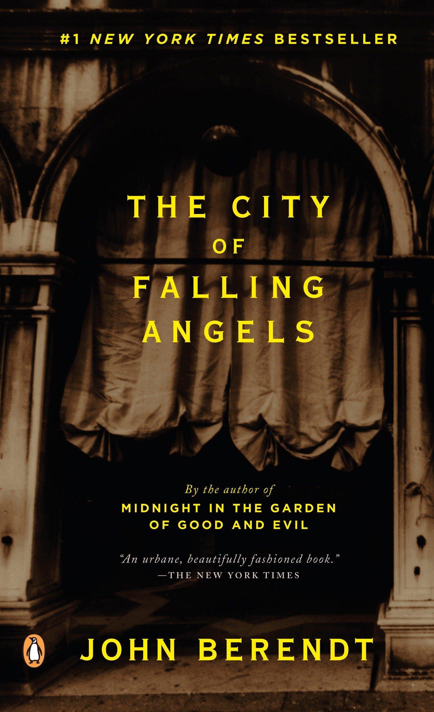 Amazon.com: The City of Falling Angels (9780143036937): John Berendt ...
