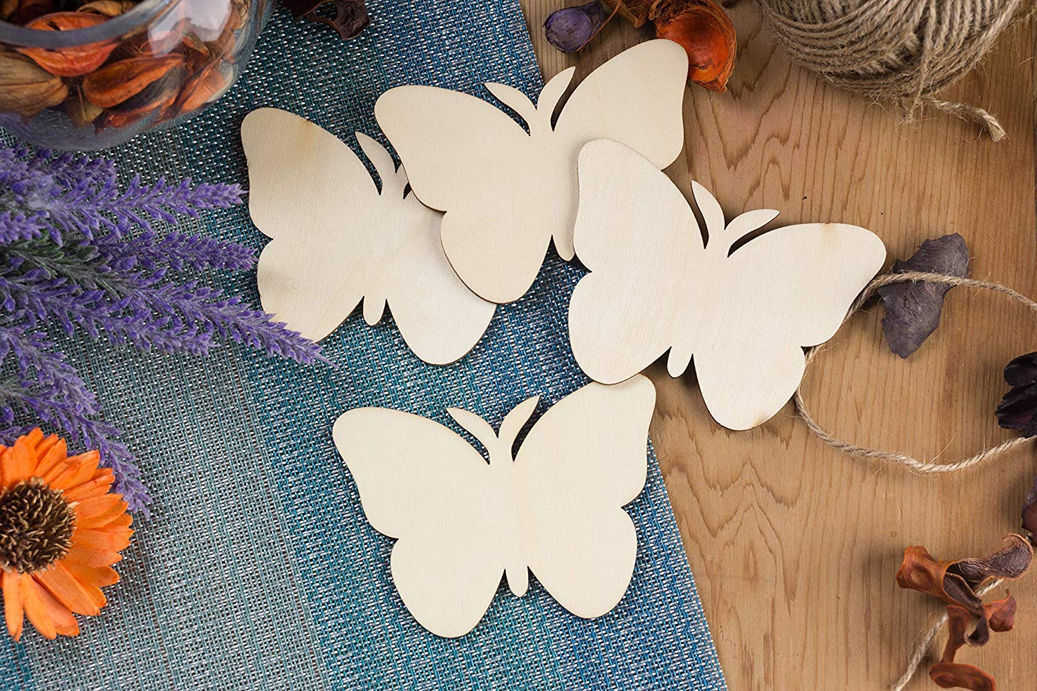 24-Pack Bear Shaped Wood Pieces for Wooden Craft DIY Projects Unfinished Wood Cutout Gift Tags 3.7 x 3.5 x 0.1 inches Home Decoration
