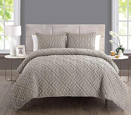 Amazon.com: Luxury Comforter Set Full/Queen - 3 Piece - Best Bed Set ...