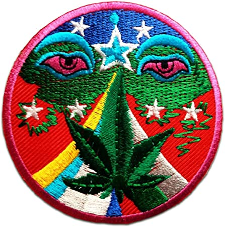 PATCH  marijuana   ÉCUSSON BRODÉ   THERMOCOLLANT COUTURES