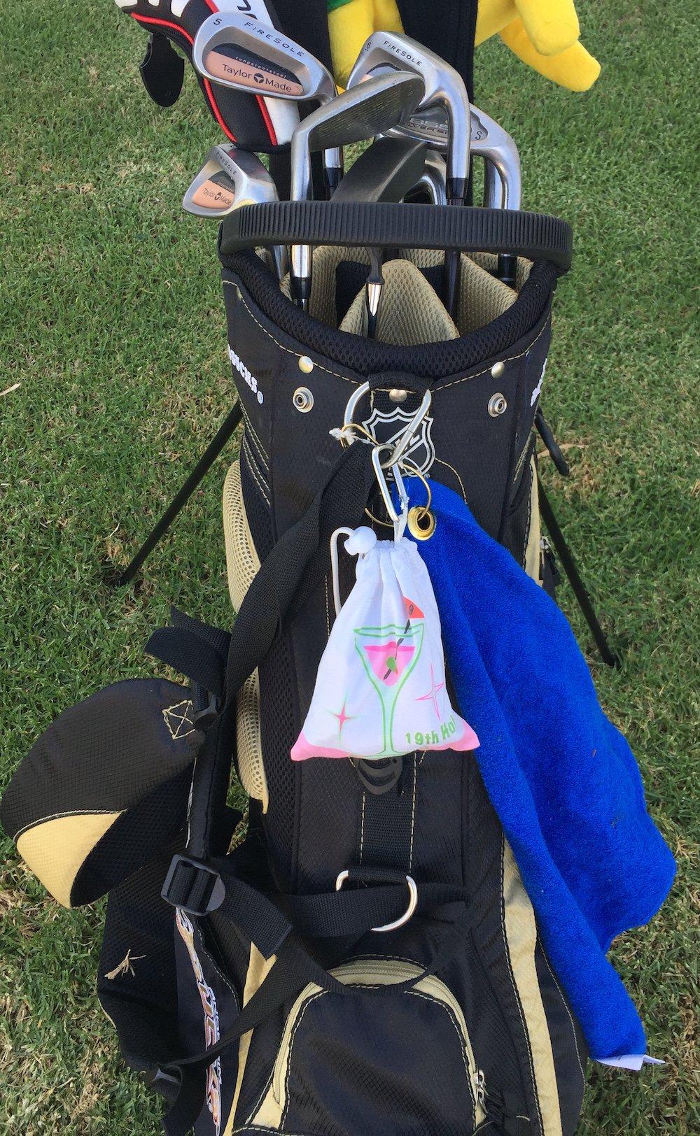 Giggle Golf 19th Hole Towel & Tee Bag Combo