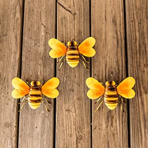 Scwhousi Metal Bees Wall Decor Outdoor Garden Fence Patio Art,Hanging Decorations for Living Room, Bedroom, 3 Pack