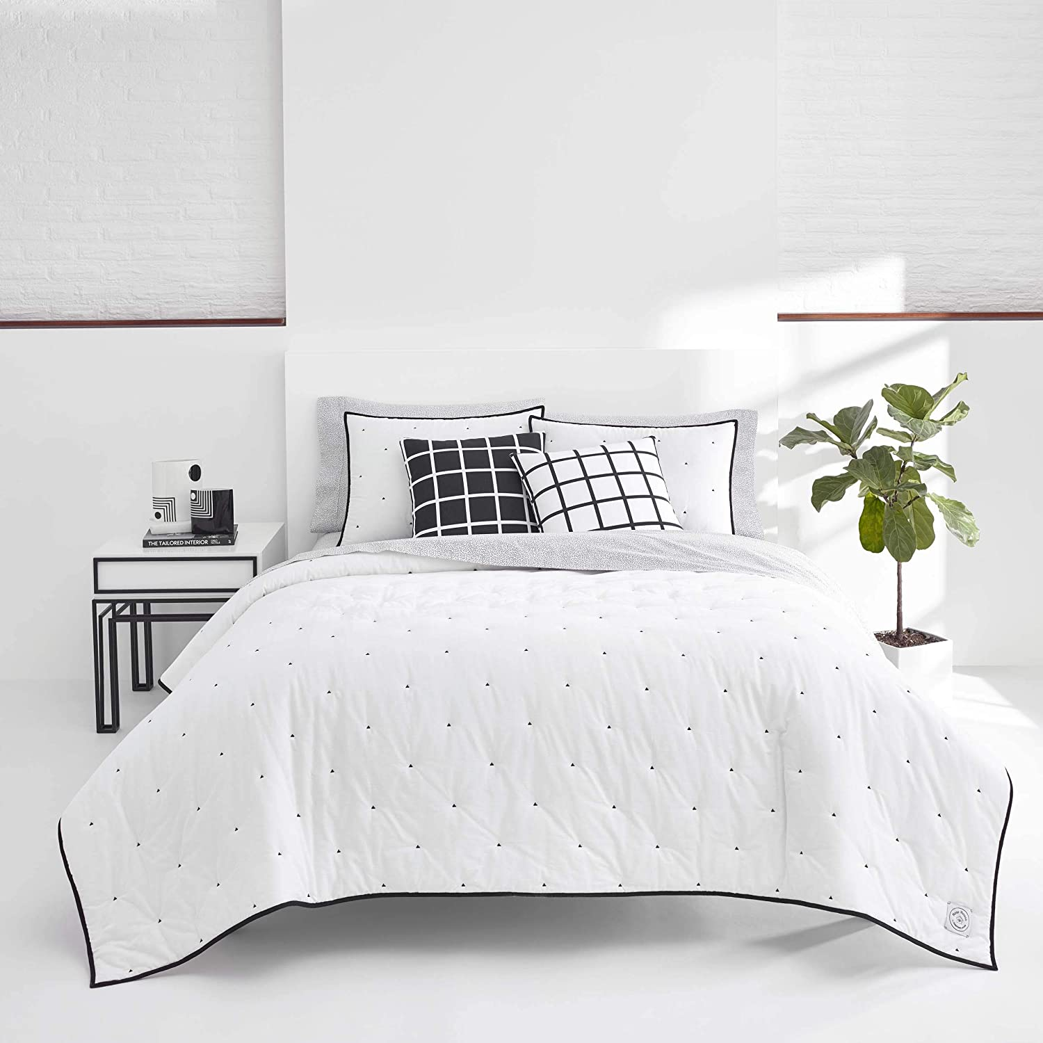 Now House by Jonathan Adler Pompeia Quilt Set Twin White