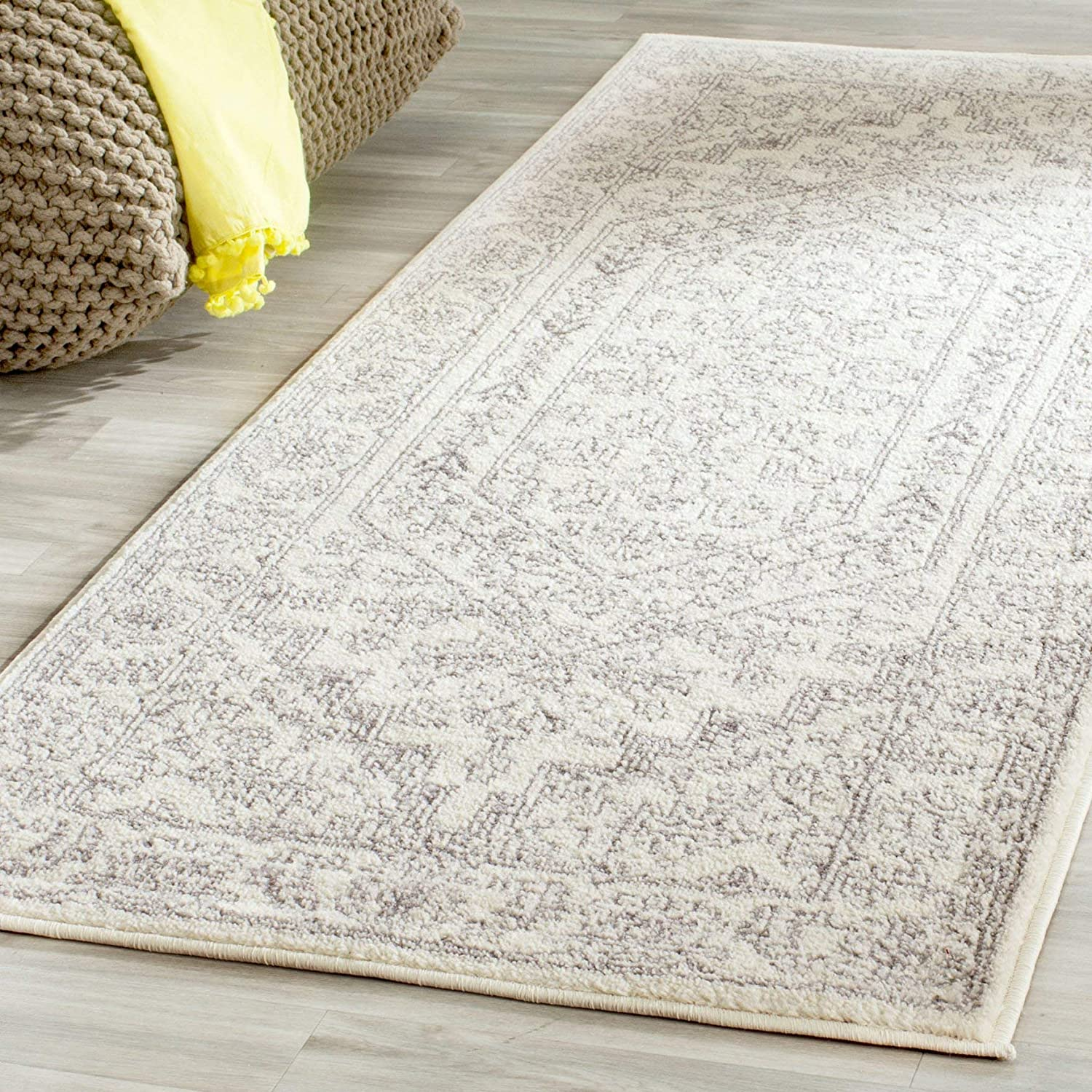 "Safavieh Adirondack Collection ADR108B Ivory and Silver Oriental Vintage Medallion Area Rug (2'6"" x 4')"
