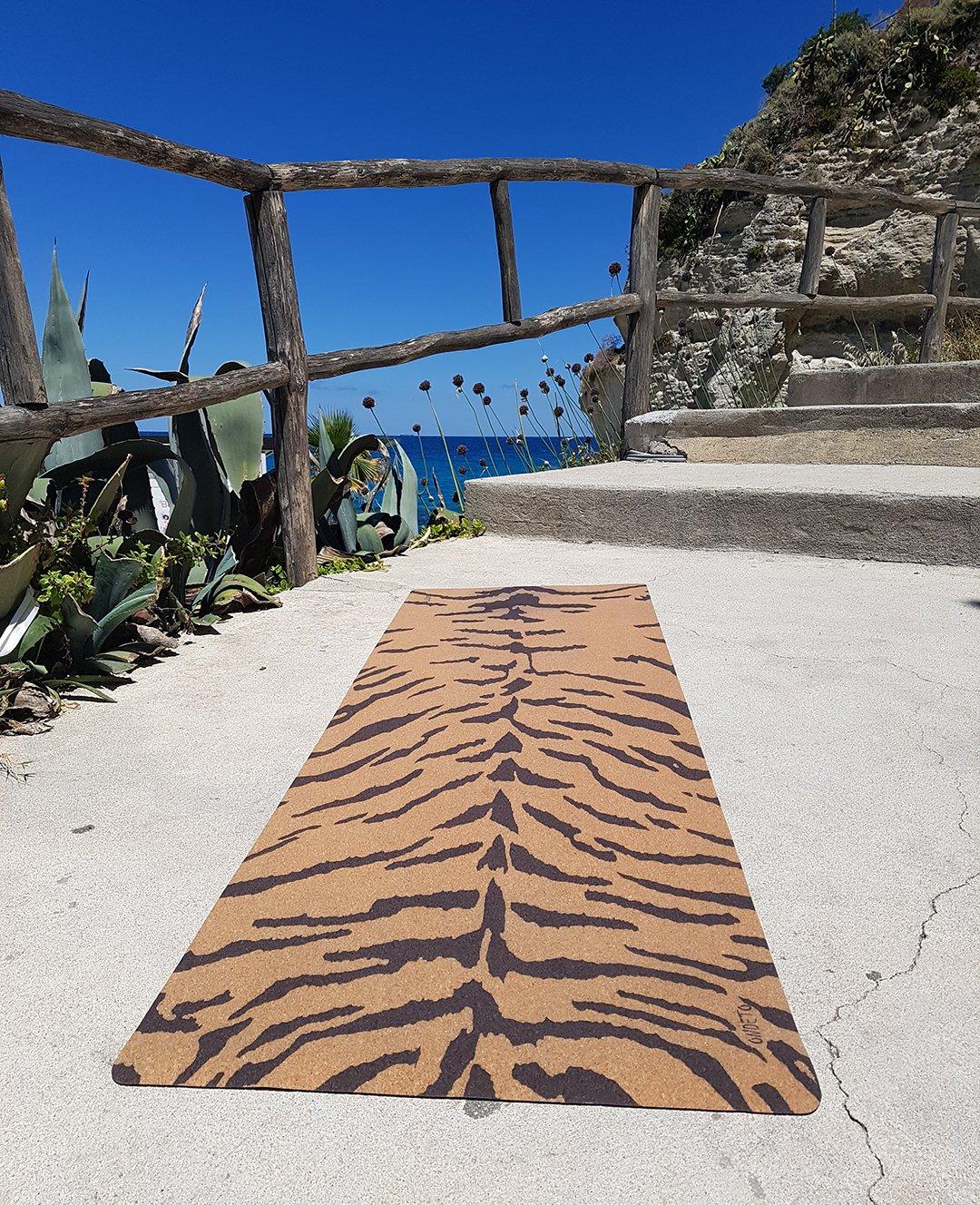 tapis de yoga bio en liège pas cher – épais et antidéparant