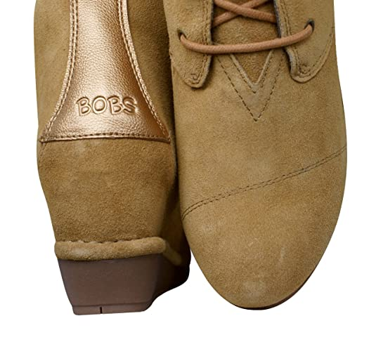 4dca29a75bcd Skechers Womens BOBS Boots High Peaks Casual Suede Ankle Wedges   Amazon.co.uk  Shoes   Bags
