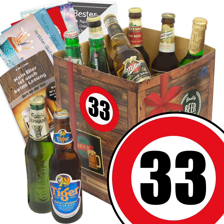 Geburtstagsgeschenke für Männer zum 33. - Geschenkbox mit Bier mit Bieren der Welt + gratis Bierbuch + Geschenk Karten + Bier - Bewertungsbogen Bierset + Bier Geschenk + Personalisierte Geschenk-Box - 33 Geschenkidee Bier Geschenk + Besser als Bier selber