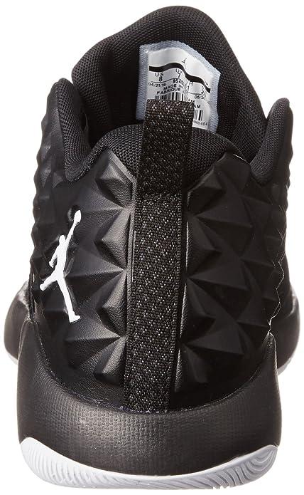 newest c7e7f 576b4 Amazon.com   Jordan Men s Extra Fly Basketball Shoe   Basketball
