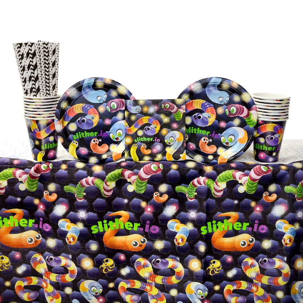 and Cups Slither.io Birthday Party Supplies Pack for 16 Guests: Straws Beverage Napkins Table Cover Dessert Plates