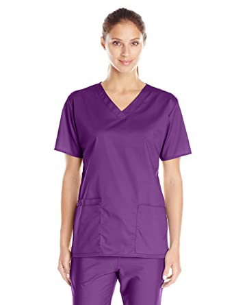 c8a00f4efd1f Amazon.com  WonderWink Women s Wonderwork V-Neck Scrub Top  Clothing