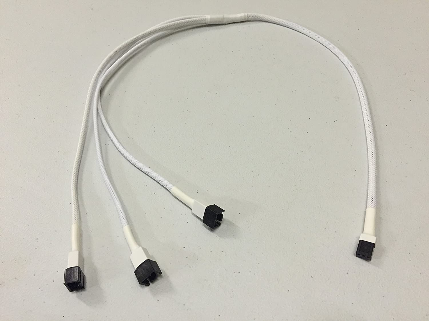 Shakmods 3 pin Fan to 3 ways Y Splitter 60cm White Sleeved Extension Cable PSU