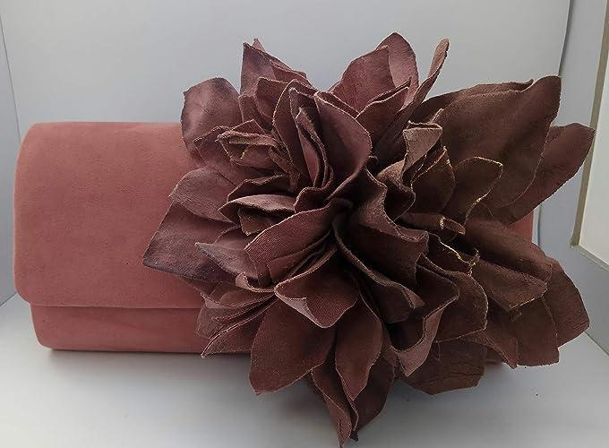 Cartera de mano en antelina con flor en tela