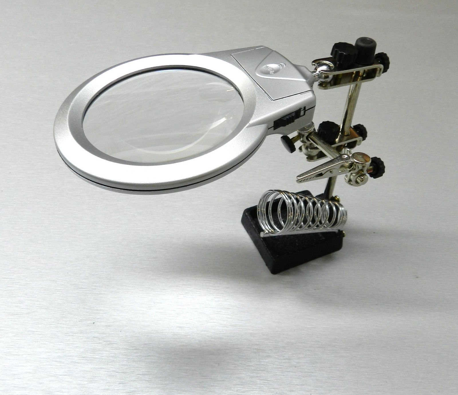 HELPING HAND MAGNIFIER with LED LIGHTS THIRD HAND SOLDERING STAND DUAL POWER NEW .sell#(jetstools~hee16200935430109