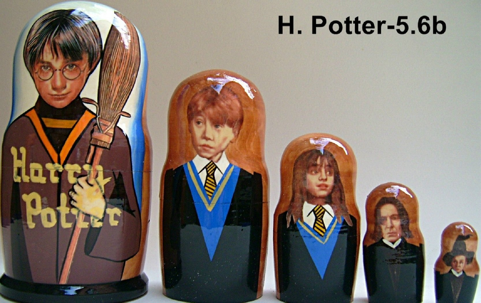 Harry Potter-1 Russian Nesting Doll 5 Pcs / 6 in by hand made