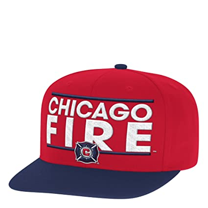 detailing ea10d 6ccb2 Amazon.com   adidas MLS Chicago Fire Men s Dassler Flat Brim Snapback Hat,  One Size, Red   Sports   Outdoors