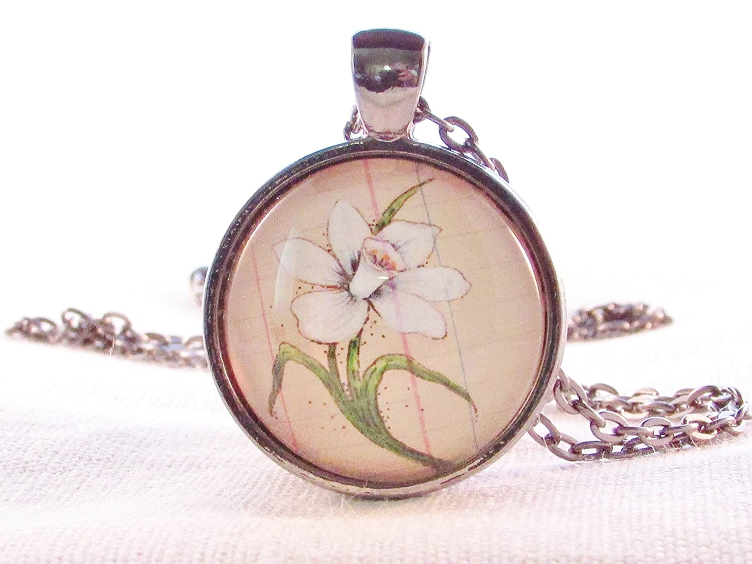 December Birth Month Pendant Narcissus White Flower Necklace