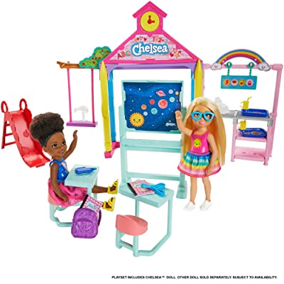​Barbie Club Chelsea Doll and School Playset, 6-Inch Blonde, with Accessories, Gift for 3 to 7 Year Olds: Toys & Games