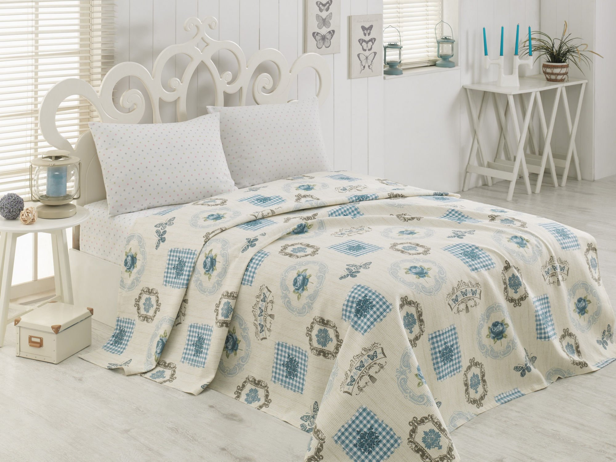 LaModaHome Shapes Coverlet, 100% Cotton - Butterflies, Roses and Patterns in Order - Size (63'' x 90.6'') for Twin Bed