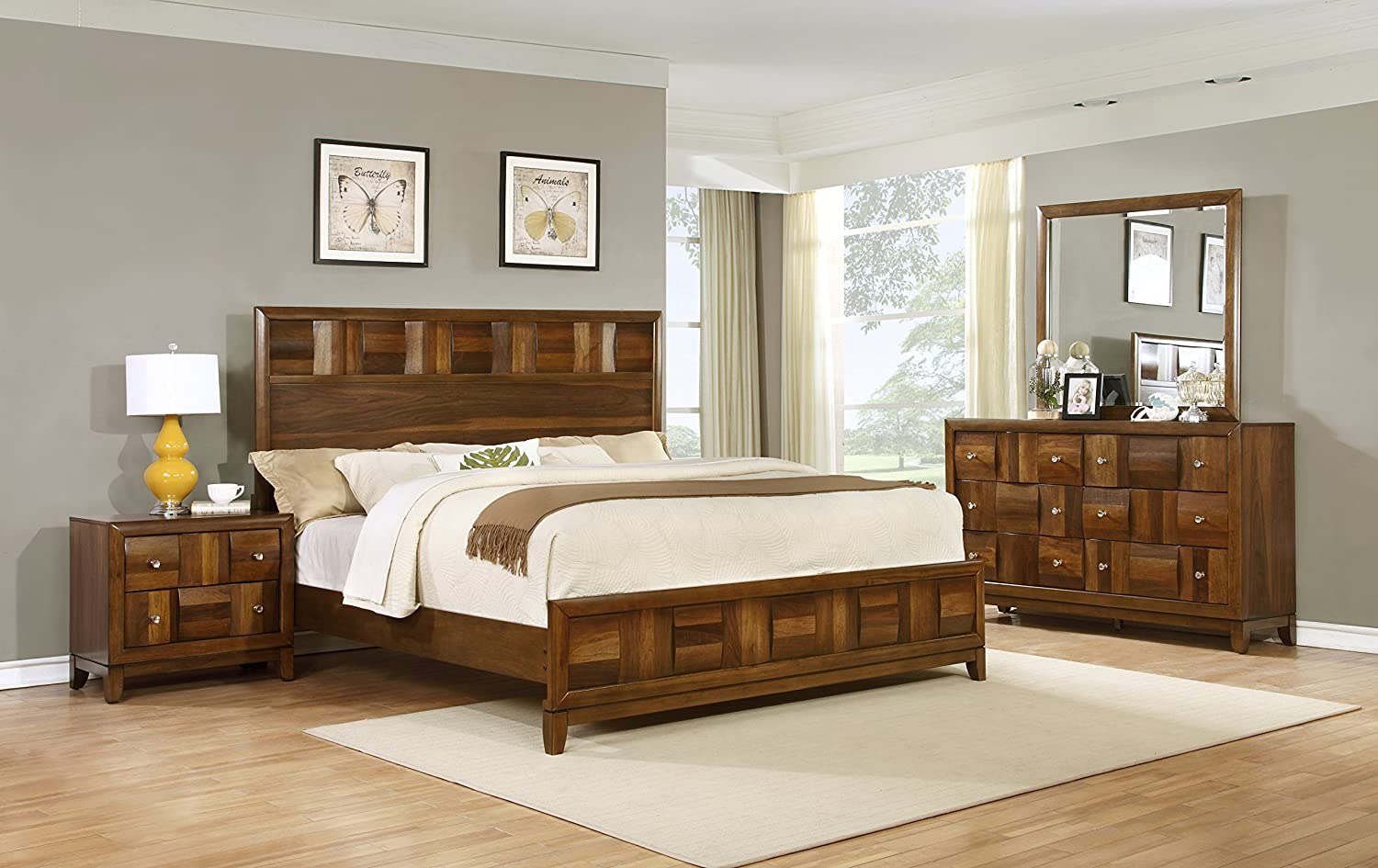 Exceptionnel Amazon.com: Roundhill Furniture Calais Solid Wood Construction Bedroom Set  With Bed, Dresser, Mirror, Night Stand, Queen, Walnut: Kitchen U0026 Dining