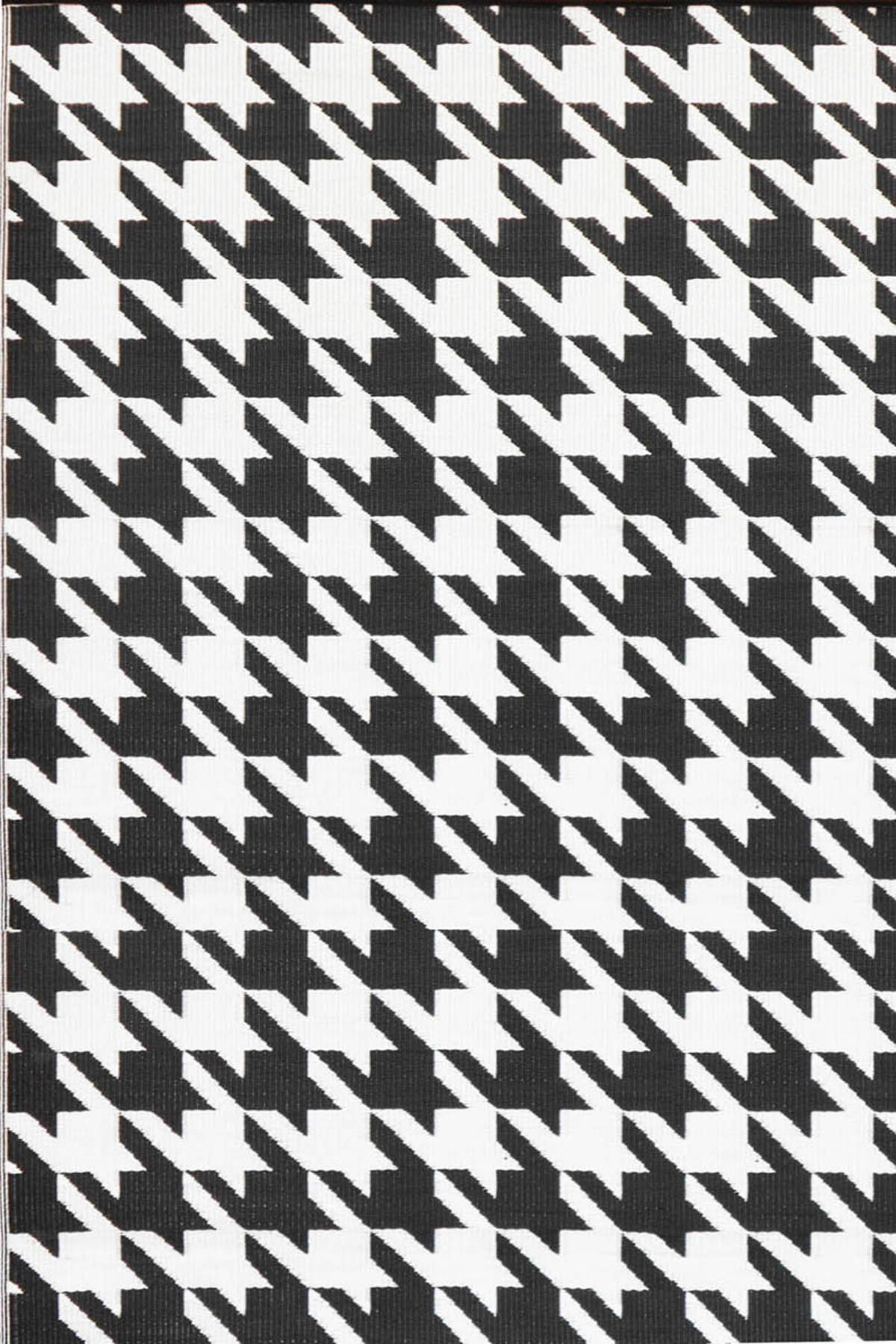 Mad Mats Hounds Tooth Indoor/Outdoor Floor Mat, 6 by 9-Feet, Black and White
